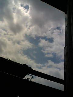 風の吹く日に。